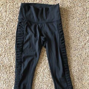 Lululemon 7/8 leggings with mesh panel on sides